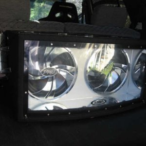 1500w of Bass